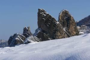 I Sassi di Roccamalatina in inverno 1 - Foto di S.Remondini